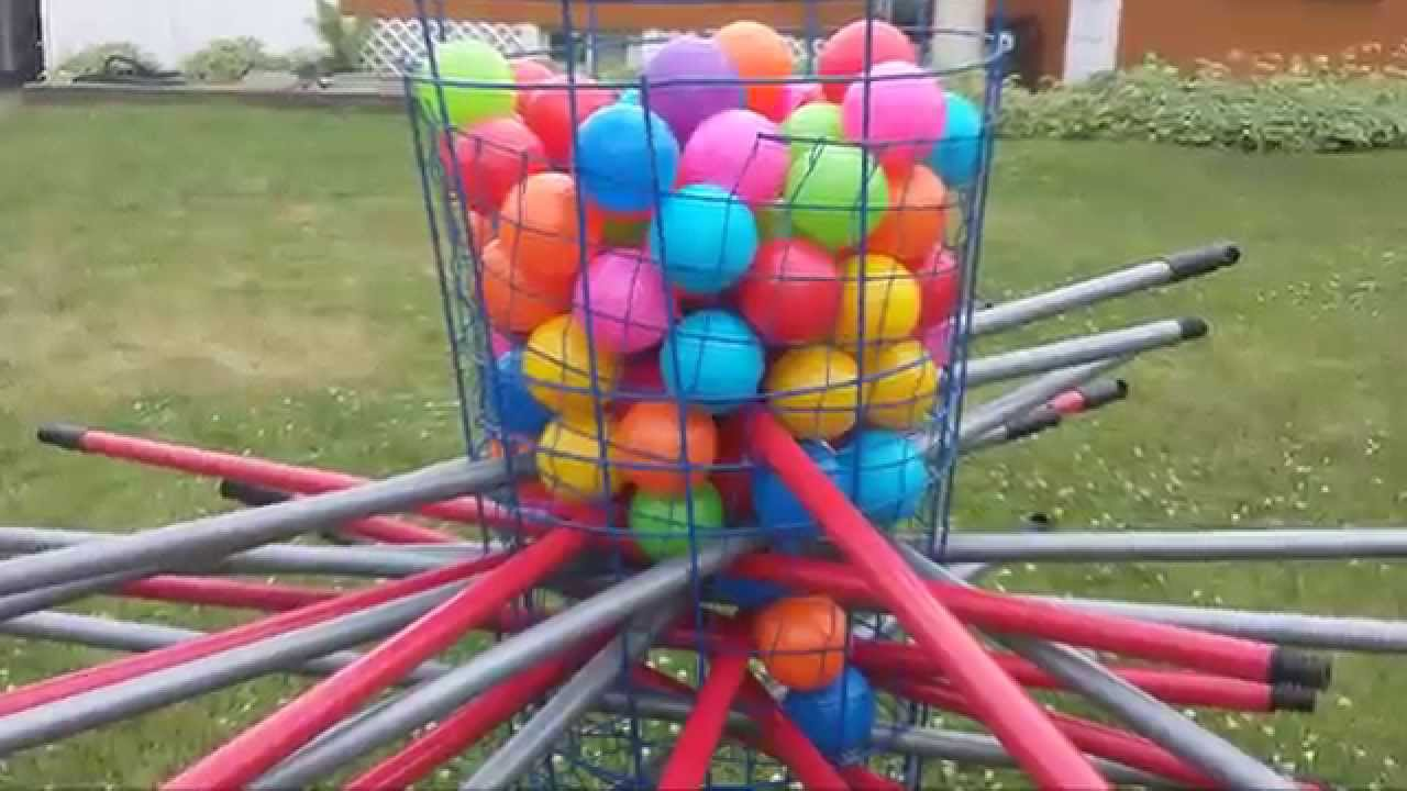 Diy giant outdoor kerplunk game youtube diy giant outdoor kerplunk game solutioingenieria Choice Image