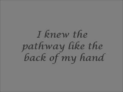 Lily Allen - Somewhere Only We Know (Lyrics)