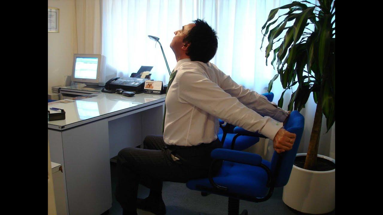 Yoga para hacer la oficina yoga para ejecutivos de prof for Sillones ejecutivos para oficina