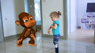 Mom and girls have a zoo at home. Story about Animals at home by Sasha Kids Channel.