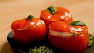 Салата с домати и магданозено песто