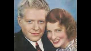 "Jeanette MacDonald and Nelson Eddy sing ""Smilin"