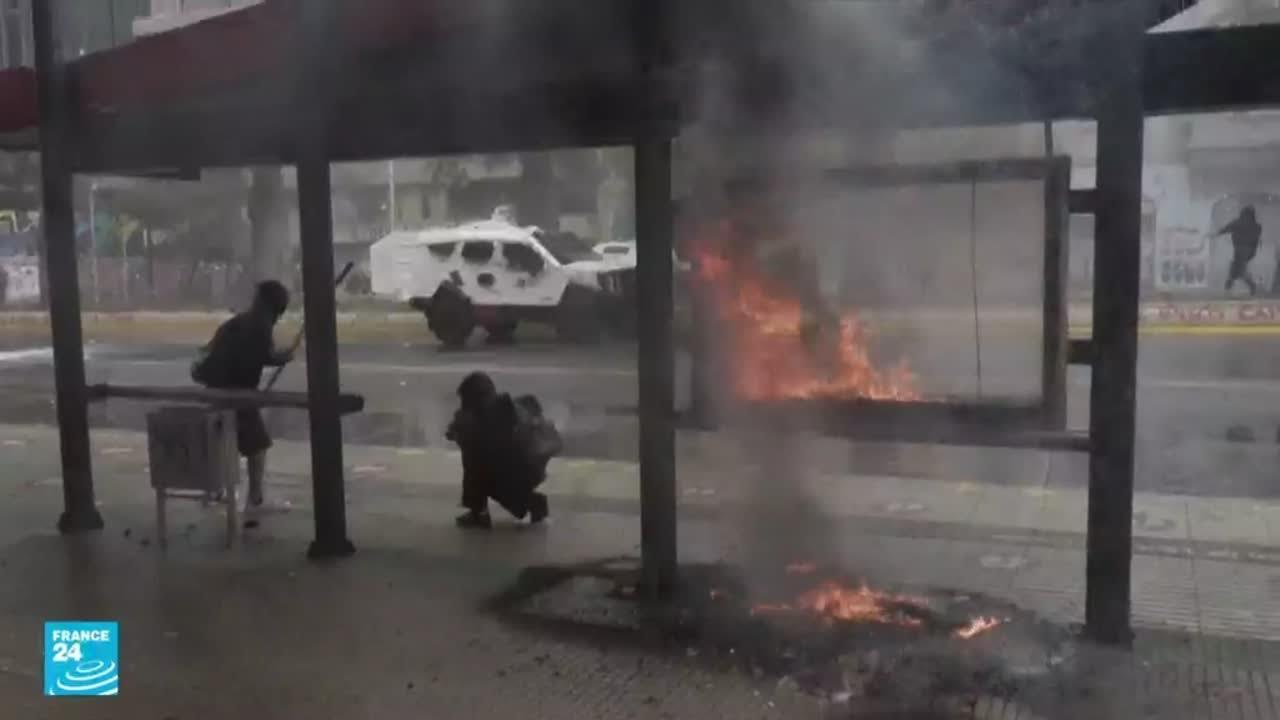 مقتل امرأة وجرح 17 شخصا خلال مواجهات بين الشرطة ومتظاهرين من السكان الأصليين في تشيلي  - 12:55-2021 / 10 / 13