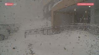 Последствия снежного шторма на Камчатке.