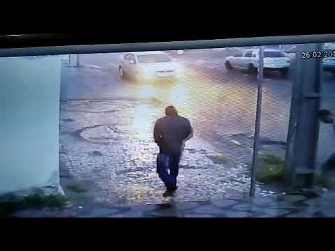 POLICIAL: BANDIDOS FURTARAM CARRO DEFRONTE ESCRITÓRIO DE DR. PEDRO CORDEIRO