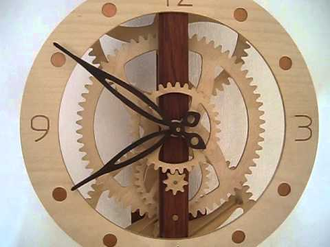 holzuhr holzr deruhr pendeluhr aus holz wooden clock. Black Bedroom Furniture Sets. Home Design Ideas