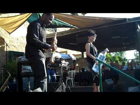 Keiko Matsuiand Jackiem Joynerperform Live at Thornton Winery