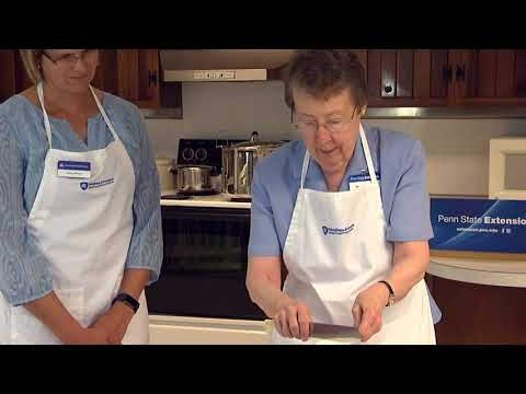 Ask Martha: Demonstration Of Cooked Strawberry Jam Using Powdered Pectin