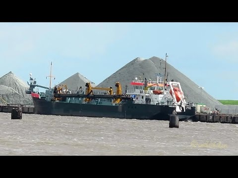 trailing suction hopper dredger IJSSELDELTA PIUN IMO 7737690 Emden Baggerschiff