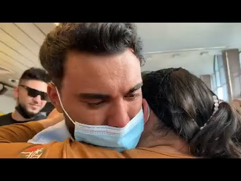 Jador, in lacrimi, la intoarcerea in Romania de la Survivor! Primele imagini pe aeroport!