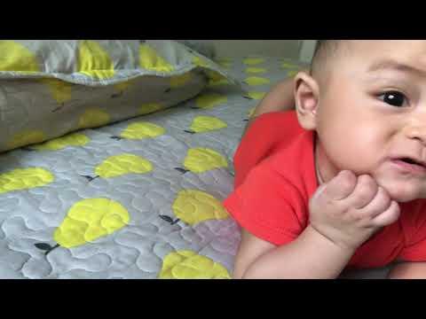ADORABLE BABY POSING - SO CUTE 😍😍😍