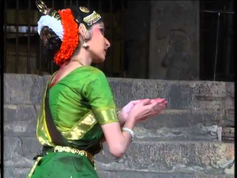 Dance at Brahan Natyanjali, Thanjavur by Muvva Group