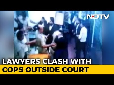 Police File Cases Against Lawyers, Cops Who Clashed At Delhi Court