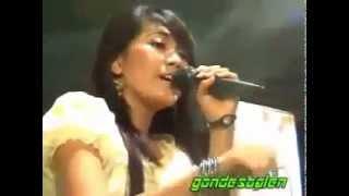 Video Dangdut Koplo Via Vallen Terkatung Katung Sera download MP3, 3GP, MP4, WEBM, AVI, FLV Oktober 2017