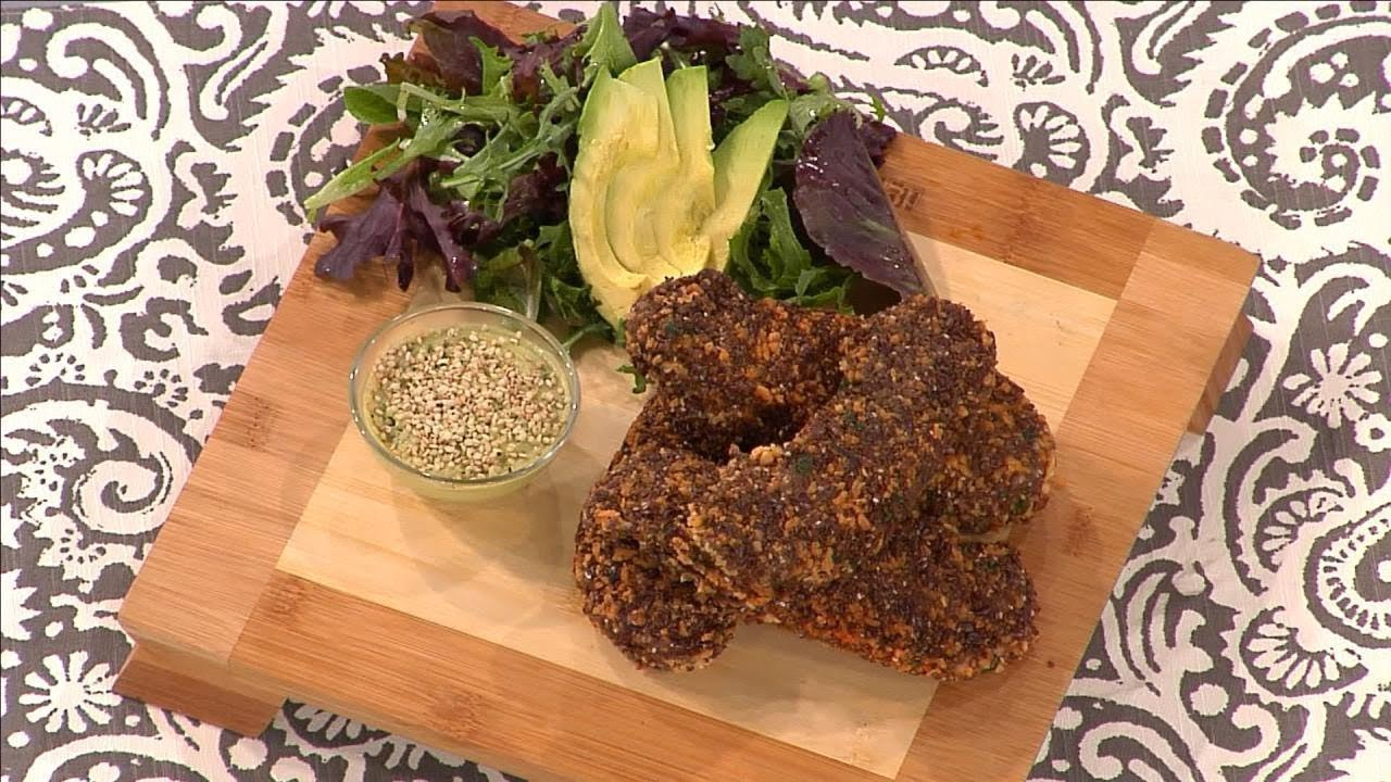 Celebrity Nutritionist's Recipe for 'Chia and Flax Chicken Fingers'