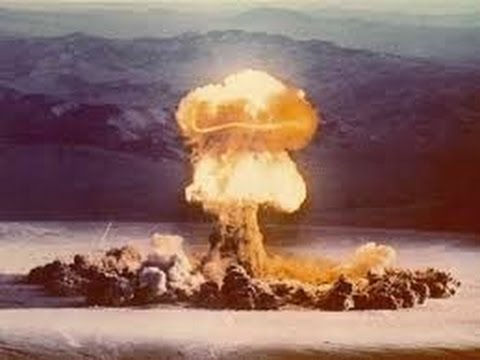 Atomic Bomb Explosion Test Footage - The 1950s Atom Soldier