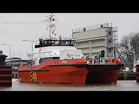 Einlauf High Speed Craft VIVACE offshore crew boat Emden DCZB IMO 9782144