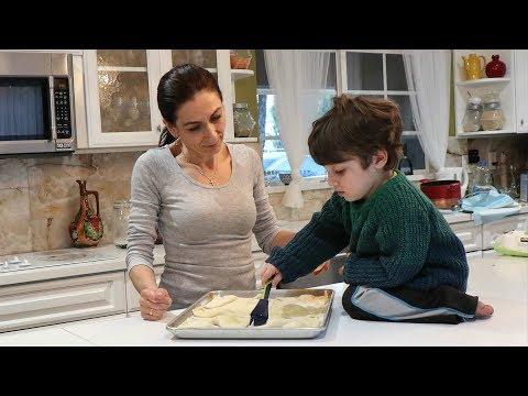 Heghineh Family Vlog #110 - Օգնականս - Heghineh Cooking Show in Armenian