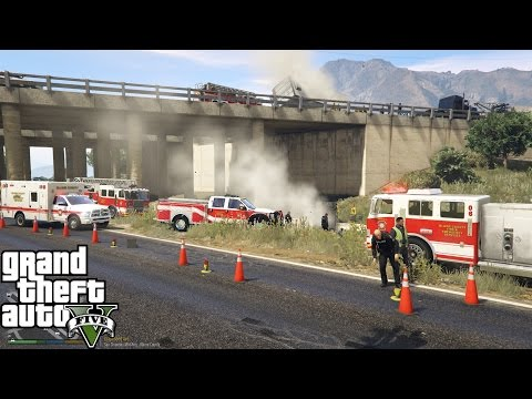 GTA 5 | Blaine County Fire Department & EMS Responds To A Crazy Accident Involving Roll Over Trailer