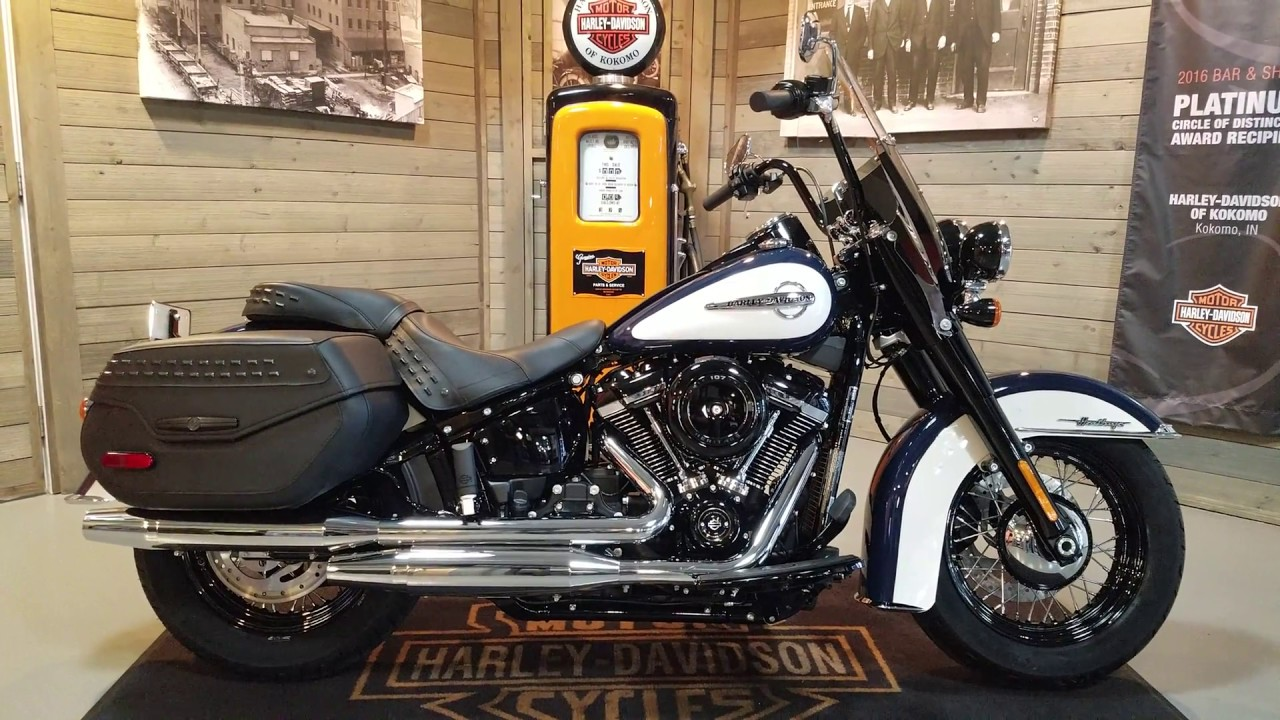 White Harley Davidson: 2019 Harley Davidson Softail Heritage Classic FLHC