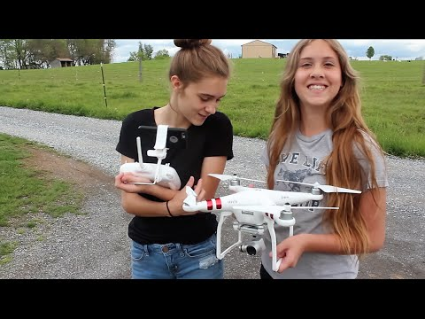 My daughters Fly The DJI Phantom 3