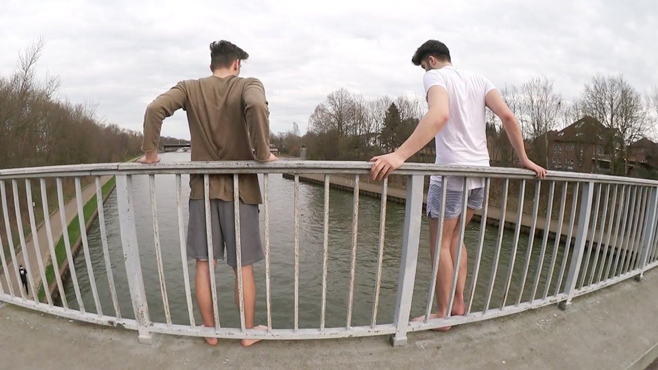 Jungs Springen Von Der Brücke Skk Youtube