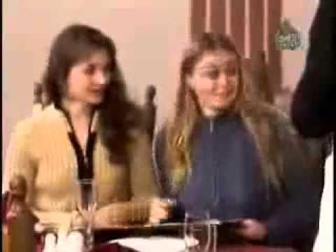 دوربین مخفی ( وقتی توجه خانوما به چیز گارسون جلب میشه)