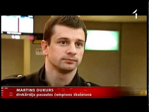 Martins Dukurs atgriezies Latvijā