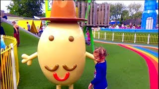 Bad Baby play with funny animals outdoor playground Learn colors with Baby nursery rhymes for kids