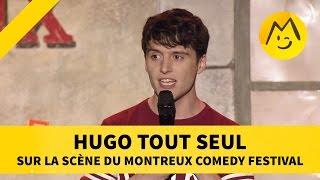 Hugo tout seul sur la scène du Montreux Comedy Festival