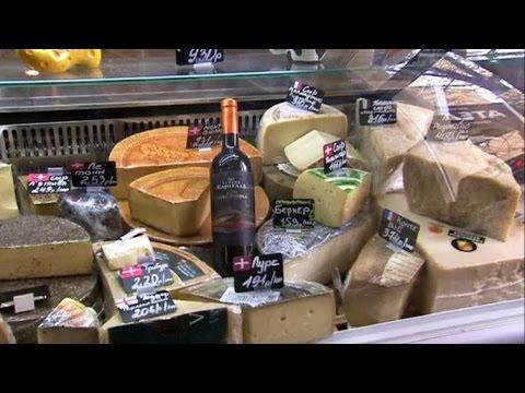 Владелец магазина элитного сыра в Москве срочно ищет новых поставщиков из-за санкций (новости)