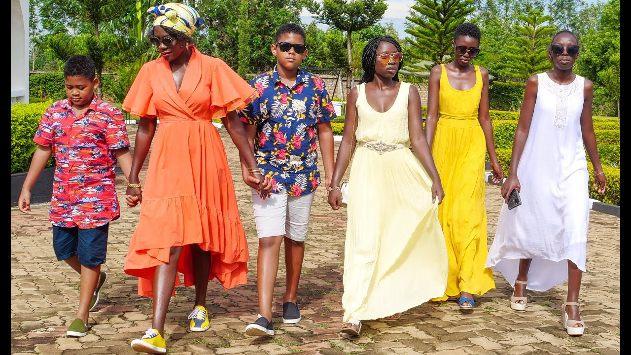 Download Be a Friendly Mother Who Lead by Example  (Akothee's Way of Parenting 2)