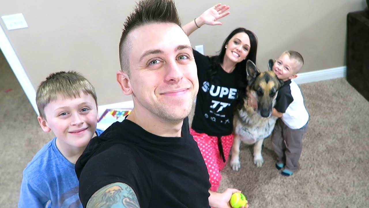 Image gallery romanatwood family for The atwood