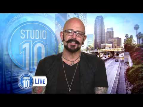 Jackson galaxy 39 s tips for feisty felines studio 10 youtube for Jackson galaxy music