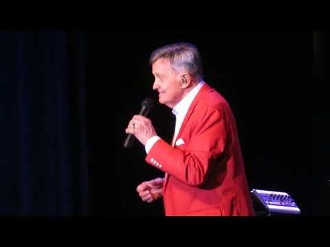 Bill Anderson performs at Savannah Center in The Villages