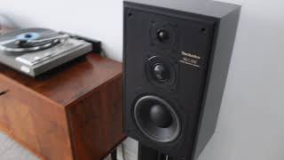 Akai AP-206C turntable Rotel RA-314 amplifier Technics SB-C450 speakers Direct drive