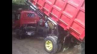 Dijual Dump Truck Dyna 130HT Bak Dump Jumbo 2009 Samarinda HP;085246902754 http://www.xmahakam.com/