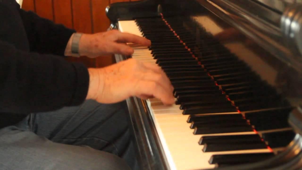 piano hajo weihnachtsgr e an meine ungarischen und deutschen freunde klavier youtube. Black Bedroom Furniture Sets. Home Design Ideas