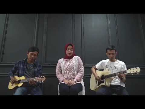 Shallow - Lady Gaga , Bradley Cooper. Cover By Mimin Azis