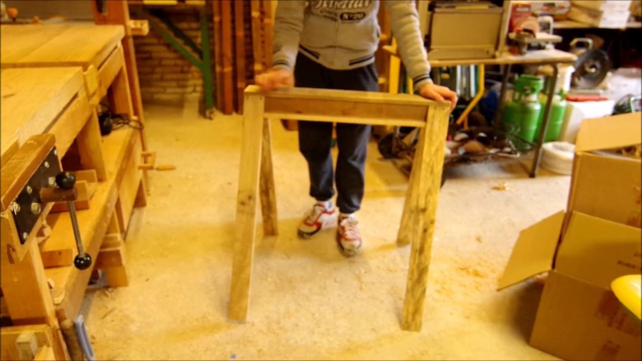 fabriquer un tr teau en bois de palette youtube. Black Bedroom Furniture Sets. Home Design Ideas