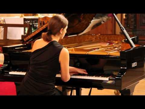Jeux D'eau by Ravel. Pianist: Nadine André