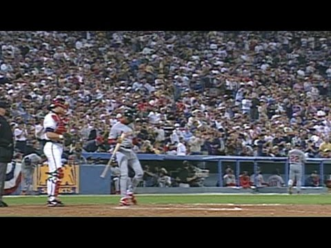 1996 NLCS Gm7: Crowd gives Ozzie ovation in final AB