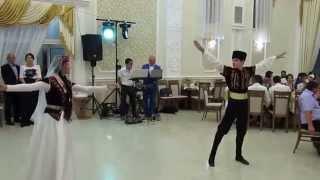 Crimean Tatar dance Агъыр ава ве Хайтарма - Энвер Эреджепов ве Зарема Сейтумерова(Крымскотатарский дуэт Энвер ве Зарема., 2015-08-23T20:47:17.000Z)