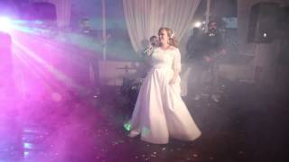 лучшее поздравление от невесты , трогательный стих и взрывная песня !