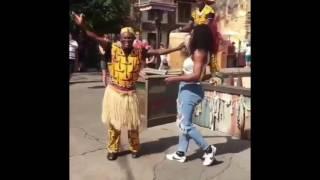 Video Tam Tam Congo with Serena Williams The World Champion Tennis player at Disney Animal Kingdom download MP3, 3GP, MP4, WEBM, AVI, FLV Desember 2017