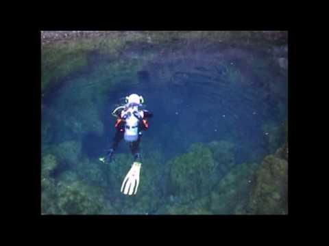 Une initiation à la plongée souterraine