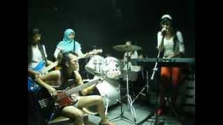 Mars Pembantu-Gannisha(cover Titi l)