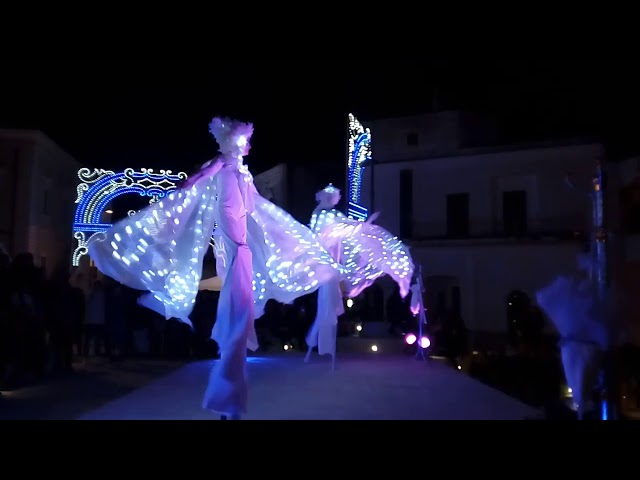 Las Brillantes - Farfalle Luminose - Artisti di Strada Puglia - Trampoli