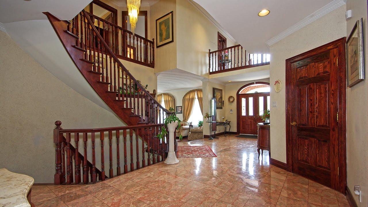 foto de Video Tour of Detached House for Sale: 699 Morrish Rd