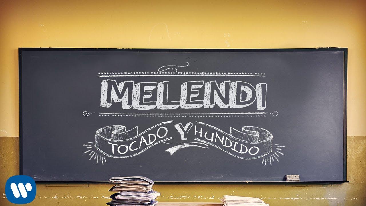 Melendi tocado y hundido lyric video viyoutube for Un jardin con enanitos letra